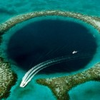 Half Moon Cay en the Great Blue Hole bij Belize