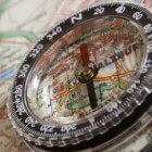 Kompas voor wandelaars, fietsers, sporters en spoorzoekers