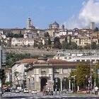 De stad Bergamo is interessant voor een korte trip