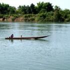Met de boot in Laos