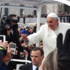 De paus ontmoeten in Vaticaanstad: audiënties en het angelus