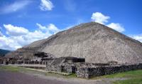 Piramide van de Zon in Teotihuacan / Bron: Gorgo, Wikimedia Commons (Publiek domein)
