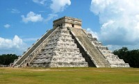 Chichen Itza / Bron: Kyle Simourd, Wikimedia Commons (CC BY-2.0)